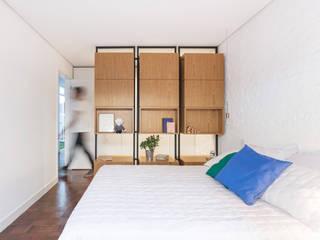 Cuartos de estilo  por 0E1 Arquitetos, Minimalista