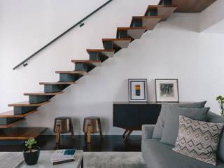 de estilo  por 0E1 Arquitetos, Moderno