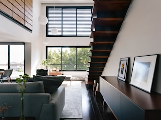 Escaleras de estilo  por 0E1 Arquitetos, Moderno