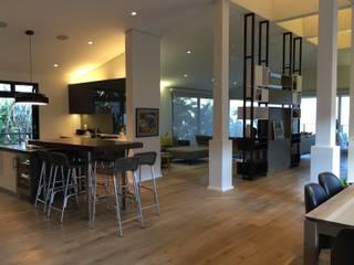 John Smillie Architects Modern style kitchen