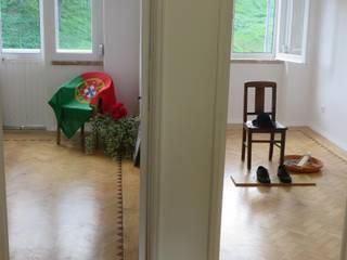 Apartamento 25 d'Abril Quartos mediterrânicos por casasrenovatio Mediterrânico
