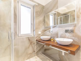 Bathroom by Facile Ristrutturare,