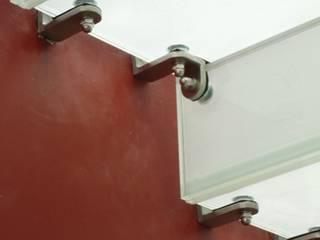 Escalera de vidrio de Aluven Moderno