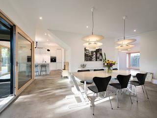Nowoczesny salon od Hellmers P2 | Architektur & Projekte Nowoczesny