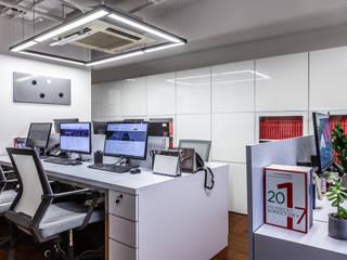 Oficinas y Tiendas de estilo  de M2A Design, Minimalista
