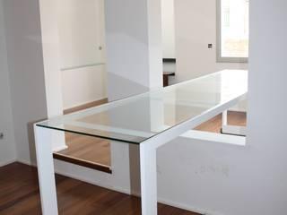 Loft Santa Albina: Salones de estilo  de ESTUDIO DE CREACIÓN JOSEP CANO, S.L.,