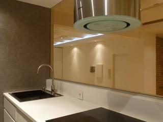 Loft Rosselló: Cocinas de estilo  de ESTUDIO DE CREACIÓN JOSEP CANO, S.L.,