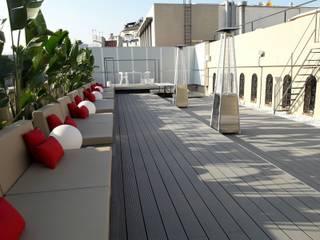 ESTUDIO DE CREACIÓN JOSEP CANO, S.L. Modern balcony, veranda & terrace