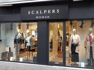 SCALPERS WOMAN VALENCIA: Oficinas y Tiendas de estilo  de 022 estudio, Industrial