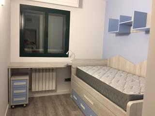 Piso completo: Dormitorios infantiles de estilo  de muebles yaiza