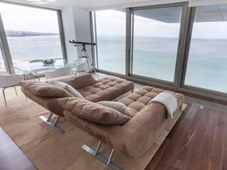 Descanso dos Guerreiros: Salas de estar  por MY STUDIO HOME - Design de Interiores