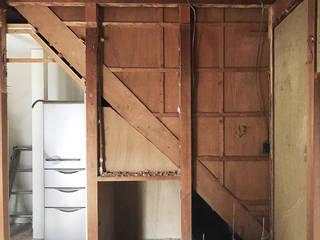 築36年の家のリビング内をリノベーションして スチール階段を設置: LobeSquareが手掛けたです。,