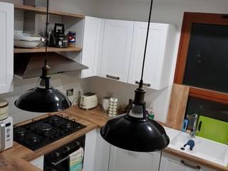 Progetto su misura: Cucina piccola in stile  di LiFE CUCINE