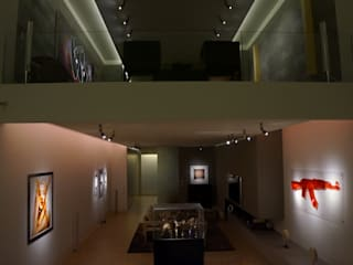 Salones modernos de Naveen Mehling Compact Promotion - Lichtplanung und Lichtdesign Moderno