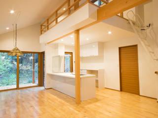 2016 Karuizawa Y house オリジナルデザインの リビング の 株式会社 佐々木工務店 オリジナル