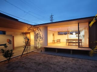 Sn-house の 長谷守保 建築計画 モダン