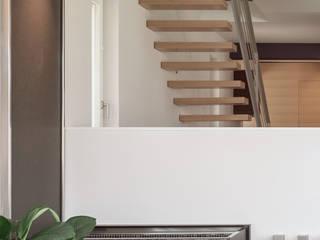 Salas de estilo minimalista de SISAFORM Minimalista