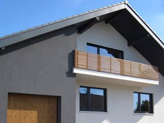 Casas modernas de SISAFORM Moderno
