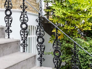 Metal Railings for London Home British Spirals & Castings Casas clásicas