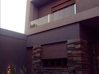 Reforma en Fachada casa de Arq Jennifer Morant Moderno