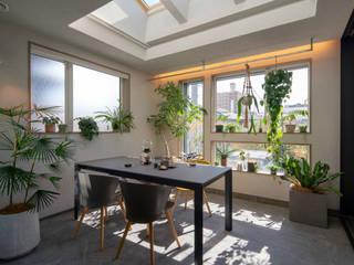 外部仕上げのサンルーム モダンスタイルの 温室 の タイコーアーキテクト モダン