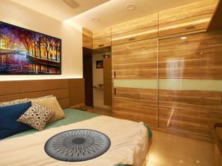 Wardrobe:   by Aesthos Interior Design and Consultancy
