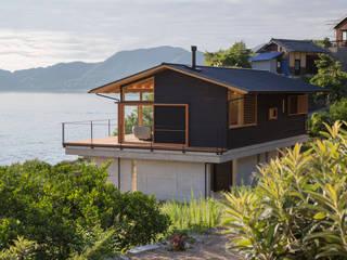 田浦の週末住宅: RON DESIGNが手掛けた家です。,