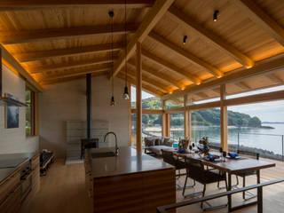 田浦の週末住宅 オリジナルデザインの リビング の RON DESIGN オリジナル