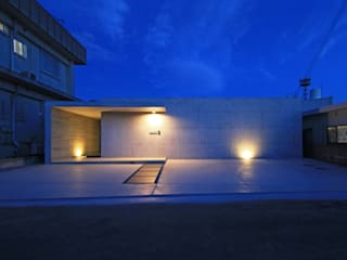 T-U house の アーキデザインワークス一級建築士事務所 モダン