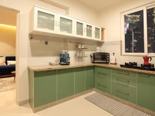 Kitchen by Saloni Narayankar Interiors Rustic