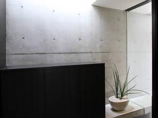 T-U house モダンスタイルの 玄関&廊下&階段 の アーキデザインワークス一級建築士事務所 モダン