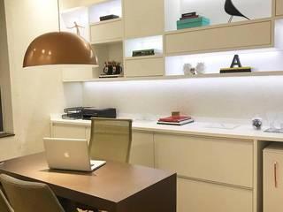 Aline Dinis Arquitetura de Interiores Espacios comerciales de estilo moderno Tablero DM Blanco