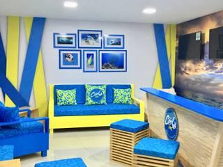 diseño de espacios comerciales: Oficinas y Tiendas de estilo  por ComOn Design