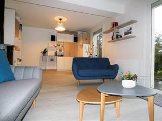 Aménagement et décoration d'intérieur - Varades (44): Salon de style  par Atelier Créa' Design