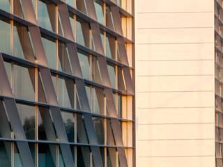 Moderne ramen & deuren van SAM'S - Soluções em alumínio e PVC Modern