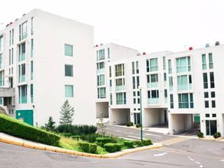 Дома с террасами в . Автор – Servicios Inmobiliarios e Hipotecarios Orsil, Модерн