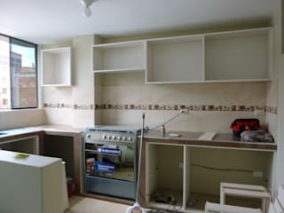 ARDI Arquitectura y servicios Kitchen units Chipboard Multicolored