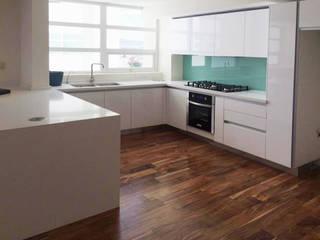 Idee diseño & mobiliario KitchenStorage Kayu Buatan White
