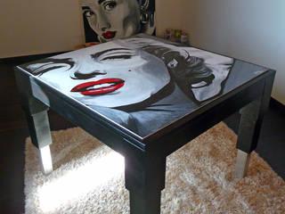 Tavolo dipinto a mano:  in stile  di BALDO TAVOLI