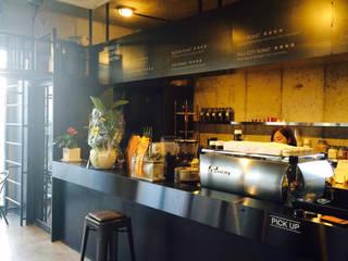 로스터리 카페 로스팅힐 2st 인더스트리얼 스타일 바 & 클럽 by 모노웍스 인더스트리얼