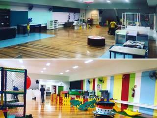 Projeto antes e depois de área de recreação infantil: Edifícios comerciais  por Luciana Gianina - Arquitetura & Design