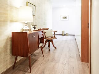 maria inês home style Mediterranean style corridor, hallway and stairs