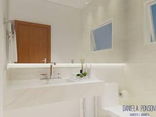 Residência em condomínio Itatiba/Louveira Banheiros modernos por Daniela Ponsoni Arquitetura Moderno