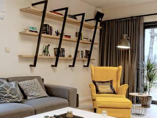 Salas de estilo minimalista de Grzegorz Popiołek Projektowanie Wnętrz Minimalista