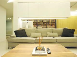 現代簡約風 鈊楹室內裝修設計股份有限公司 现代客厅設計點子、靈感 & 圖片