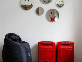 Paredes de estilo  por Creativando Srl - vendita on line oggetti design e complementi d'arredo,