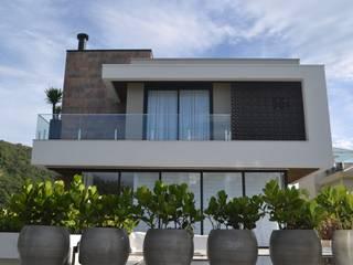 Residência TF por ImoveLINE Arquitetura e Construção Moderno