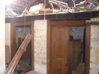 Reabilitação casa de aldeia:   por Reprojeta