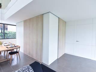VIVIENDA UNIFAMILIAR AISLADA Cocinas de estilo moderno de LLOBET interiors Moderno
