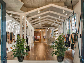 MUONTI DRESS CODE Espaços comerciais industriais por Imagem Publica, Design & Comunicação Industrial